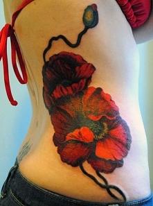tatuaż czerwone maki