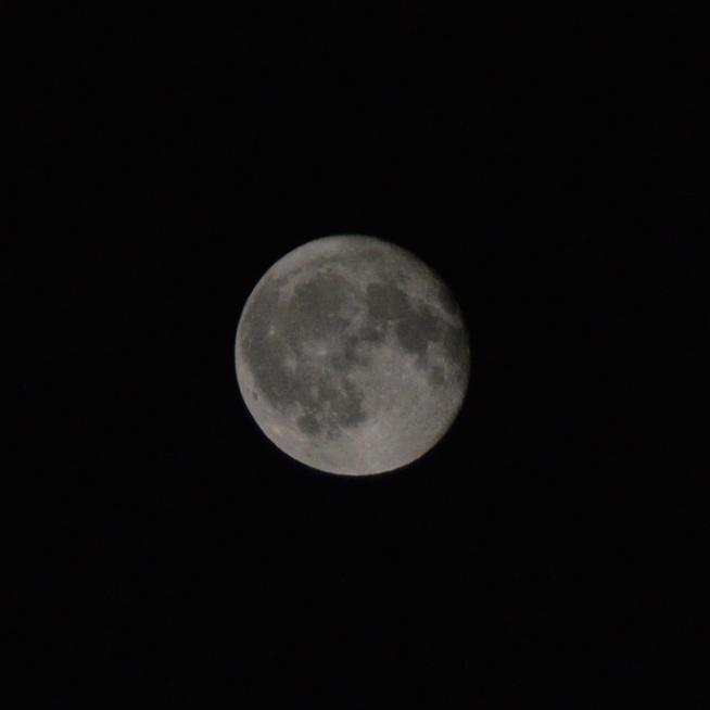 Księżyc wczorajszej nocy...