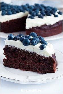 Ciasto czekoladowe z cukinią i kremem