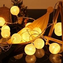 Cotton Balls - fajna i nie droga dekoracja do Waszego domu. Więcej na Ekotech...