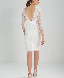 Koronka przepięknie wygląda na sukni ślubnej Chi Chi London BRANNA.