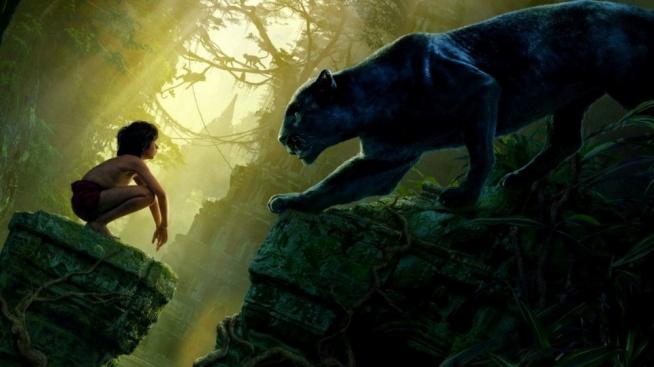 Mowgli musi pokazać jak wiele nauczył się w dżungli, wykazać się nie lada odwagą i sprytem, by ukryć się przed polującym na niego ogromnym stworzeniem. Tygrys, choć częściowo oślepiony przez człowieka, nadal pozostaje niebezpieczny, a małemu chłopcu trudno jest sprostać wyzwaniu pokonania go.  [przeczytaj recenzję po kliknięciu w zdjęcie]