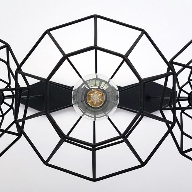 Industrialna czarna lampa