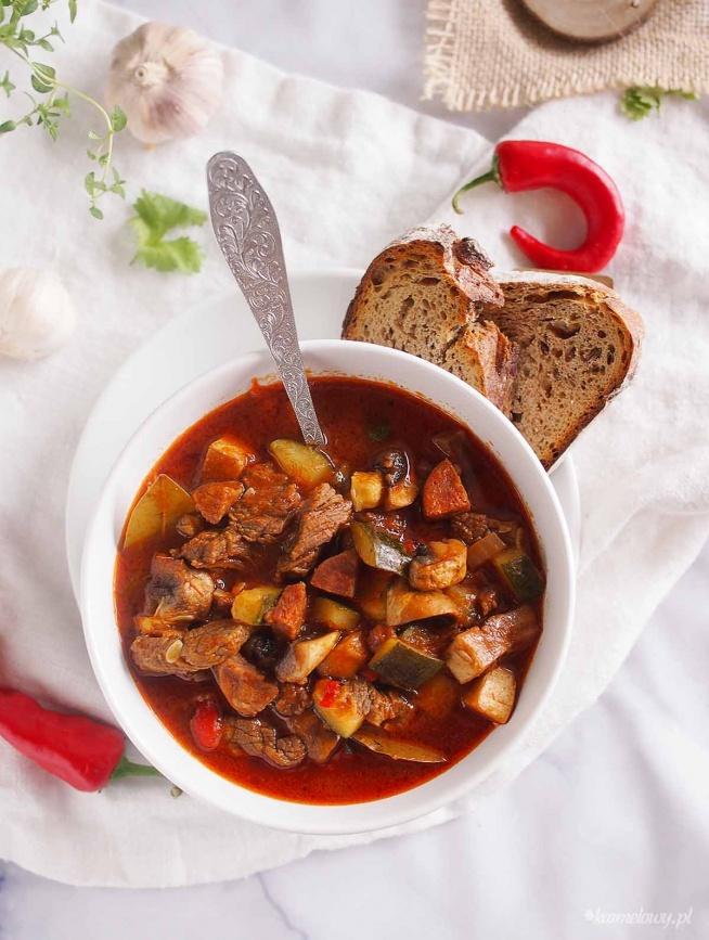 Leczo z cukinią, chorizo i wołowiną / Beef, chorizo and zucchini stew