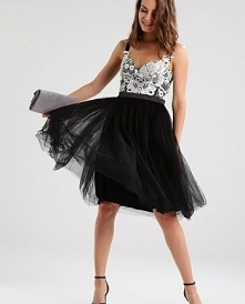 Tulowa sukienka czarna rozk...