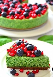 Zielony sernik ze szpinakie...