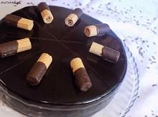Czekoladowy tort z chrupiąc...