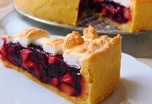 Wiśniowa szarlotka  ciasto kruche: 2 żółtka 1 czubata szklanka mąki pszennej ...
