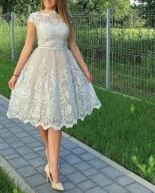 Piękna Sukienka od Chi Chi London❤️ ❤️Dostepna w rozmiarach S,M Zapraszamy na...