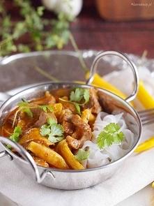 Jesienne curry z gęsią, dynią i ananasem.