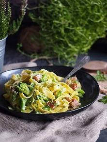 Makaron z serem i brokułami...