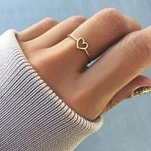 modny stylowy złoty  pierścionek dla ukochanej seria limitowana z brylantem. ...