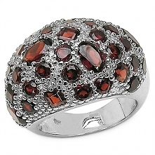 ANASTASIA Srebrny pierścionek z granatami  Niespotykany i przepiękny, koktail...