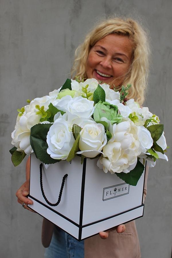 flower box z pracowni florystycznej tendom.pl