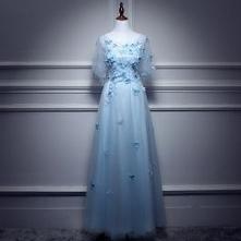 Piękne Błękitne Sukienki Wieczorowe 2017 Princessa Wycięciem 1/2 Rękawy Aplikacje Motyl Długie Wzburzyć Bez Pleców Sukienki Wizytowe