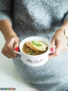 Zupa cebulowa na białym winie, z grzanką. Genialny przepis na blogu.