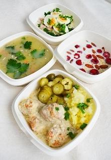 Sobotnie boxy: 1700 kcal BTW 110 71 119 1.owsianka z malinami 2.zupa ogórkowa 3. pulpety w sosie koperkowym z ziemniakami oraz ogórkiem 4.makrela wędzona, serek wiejski, jajka g...