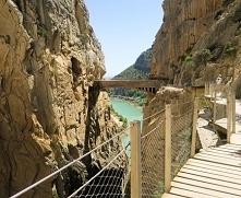 Caminito del Rey otwarto dla turystów w 2015 roku po gruntownym remoncie i od...