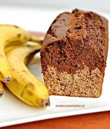Super ciasto bananowo-czekoladowe. Wilgotne i chrupiące za razem. Przepis po kliknięciu na zdjęcie :)