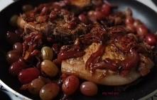 Schab w karmelizowanej cebulce i winogronach