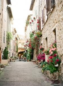 Włoskie uliczki zachwycają ...