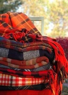 Jesień to ciepłe szale i koce <3