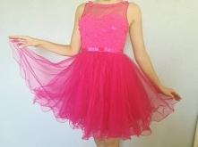 Sprzedam przepiękną sukienk...