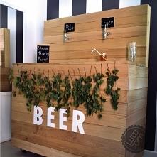 Zimne piwo coraz częściej pojawia się na weselach i poprawinach ;) Warto już ...
