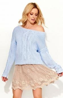 Makadamia S52 sweter błękitny Uroczy ciepły sweter, ozdobiony warkoczami, luźny fason