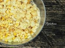 przepis na sałatkę gyros z ananasem i domowym najpyszniejszym sosem czosnkowym.