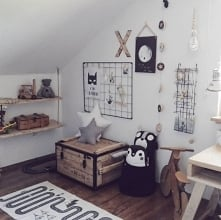 Tablica kreatywna w pokoju dziecka to bezpieczna i oryginalna dekoracja w skandynawskim stylu :)  Nasze produkty znajdziesz tu: naszedomowepielesze.pl FB: Nasze Domowe Pielesze ...