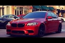 Trochę kontrastu, dla szarej pogody na zewnątrz! BMW M5 <3