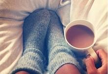 Ciepłe skarpetki, czekolada do picia przyniesiona przez męża i mogę tak leżeć do południa :)
