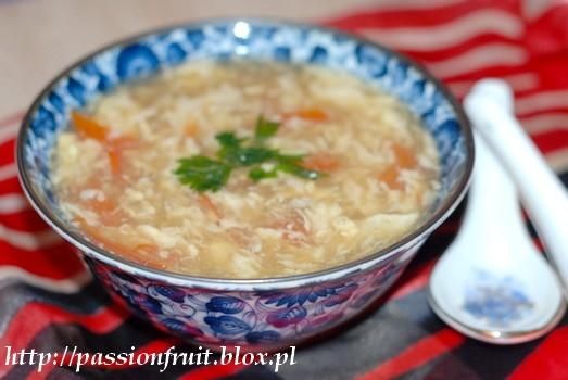 Japońska zupa z lanym jajkiem