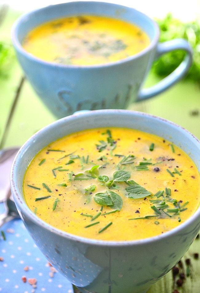 zupa serowa ze szczypiorkiem i bazylią