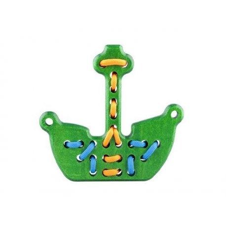 Witajcie,   Nowe zastosowanie pirackiego statku:)  Rozwijanie zdolności manualnych, trenowanie sznurowania butów, ćwiczenie precyzji, cierpliwości oraz zdolności motorycznych.  To wszystko zapewni przeszywanka Statek Piracki od Lupo Toys 5560 - dostępna w czterech różnych kolorach.   Kolorystyka na wymienione wyżej zdolności nie powinna mieć znaczenia:)