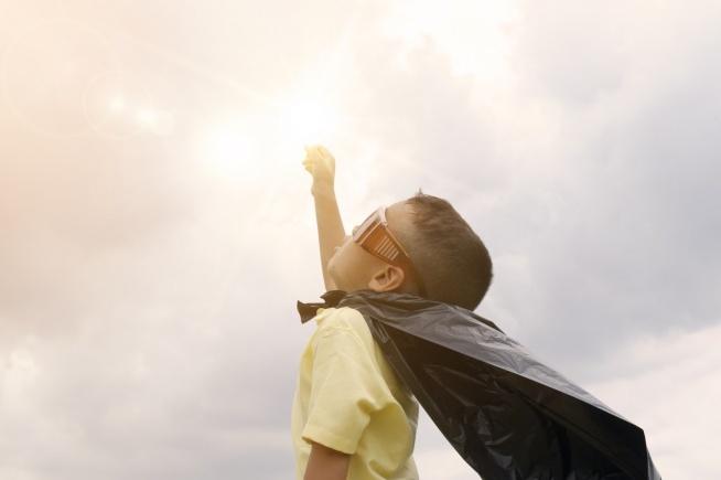 Chciałabyś wychować odpowiedzialne i empatyczne dziecko? W takim razie zainteresuj się metodą wychowawczą uczenie się na błędach..