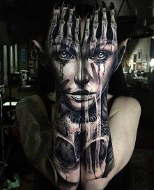 twarz tatuaże na ręce