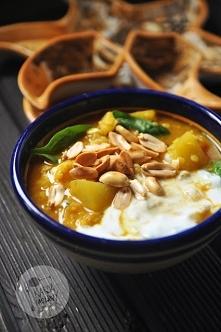 Curry z dynią, soczewicą i szpinakiem