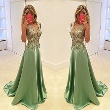 Zielona sukienka na studnió...