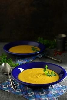 Zupa z soczewicy czerwonej. Pyszna, aromatyczna i rozgrzewająca.  SKŁADNIKI 1 szklanka czerwonej soczewicy 2 duże ziemniaki 1 średniej wielkości marchew 1 cebula 3 ząbki czosnku...