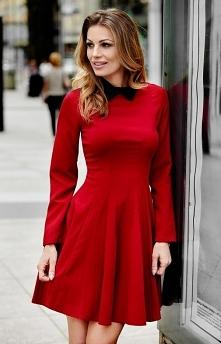 Aurora M229-1 sukienka Elegancka i kobieca sukienka, wykonana z gładkiej tkan...