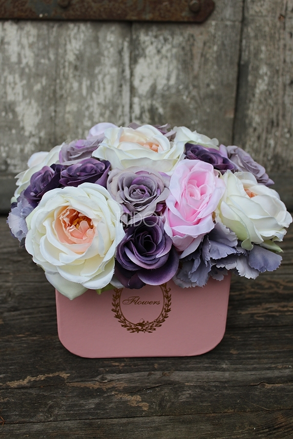 flower box ze sztucznymi kwiatami - kwiaty od tendom.pl