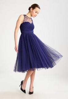 Piękna tiulowa sukienka, do...