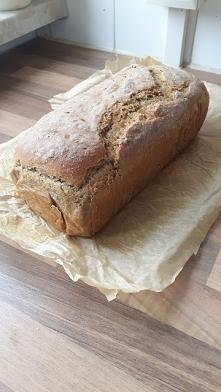 Chleb żytni na zakwasie. Sa...