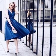 Granatowa sukienka Chi Chi London, do kupienia TU ➡️ sukienkichichilondon.pl