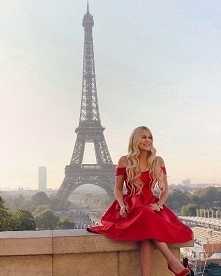 Rozkloszowana sukienka Chi Chi London, do kupienia TU ➡️ sukienkichichilondon.pl