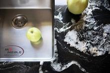 Cudowna kuchnia z białymi frontami na systemach Bluma oraz blatami marmurowymi Hoder. Piękna i funkcjonalna!