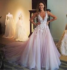 suknia ślubna różowa