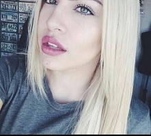 blond bez żółtych odcieni. Dziewczyny poszukuję idealnej farby która nie pozostawi mi zoltych włosów,tyko naturalny jasny blond :) macie jakieś sprawdzone farby? :*:*